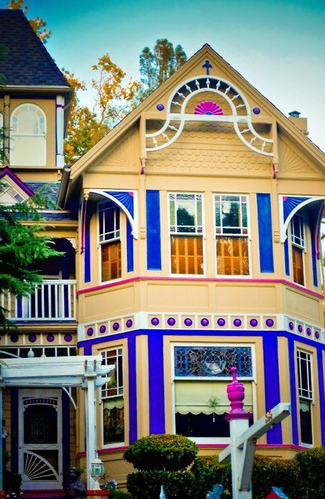 Best 44 Best Late Victorian Scalloped Shingles Images On 400 x 300