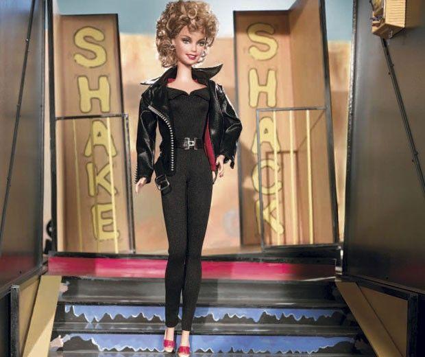 """Barbie ganha exposição em SP com versões até de personagens de """"Crepúsculo"""""""