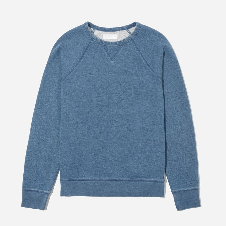 An easy pullover in indigo-dyed cotton. This sweatshirt is made of durable, tightly spun 12 oz. french terry in a classic pullover shape. It pairs perfectly with our twill pant, or try the matching sweats for a full indigo look.