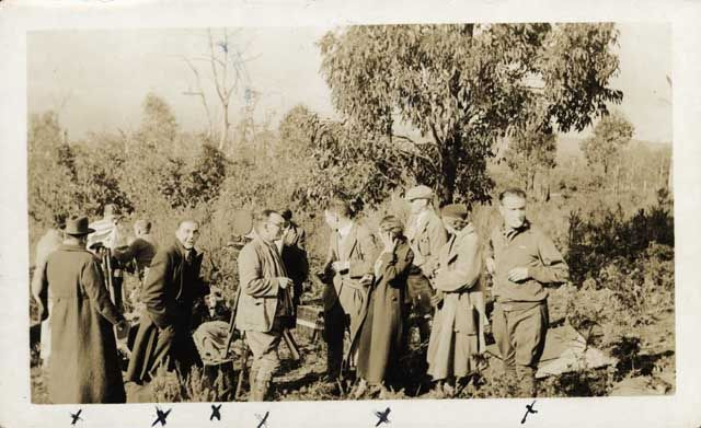 SECRET OF THE SKIES : CAST AND TECHNICIANS ON LOCATION, OLDFIELD LOOKOUT, JULY 1933