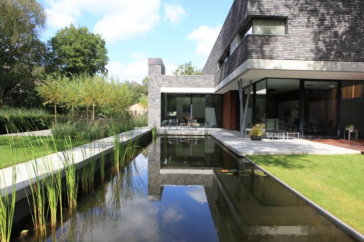 Synergie tussen tuininrichting en architectuur moderne strakke tuin pinterest - Architectuur staal corten ...