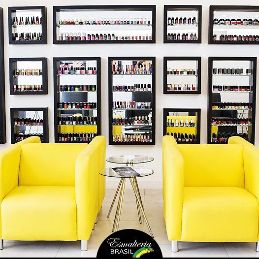 Esmalteria é um lugar para serviços exclusivos de manicure e pedicure, podendo ter também, em alguns lugares, serviços de spa e café. Confira mais sobre algumas esmalterias de Brasília.