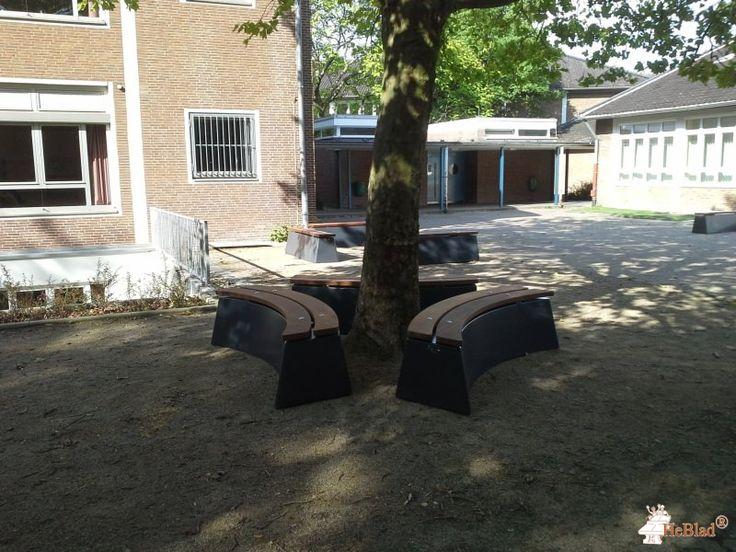 Boombank DeLuxe Antraciet Ovaal bij Annette von Droste-Hülshoff-Gymnasium in Düsseldorf