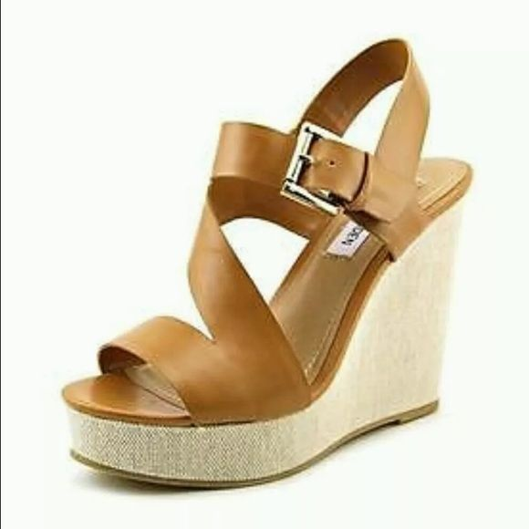 Steve Madden Wedge Ellie 9.5 Tan leather wedges only wore once in great condition perfect for the hot summer weather Steve Madden Shoes Wedges