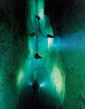 wow scary and awesome...  Bahamas Cave Dive