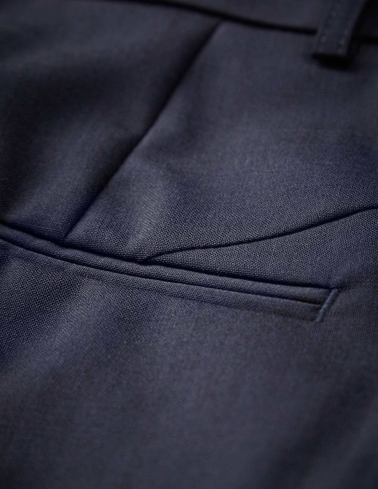 Lovann trousers - Women's midnight blue trousers in wool-stretch. Features two back paspoil pockets, two front pockets and cutlines at back. Regular waist with slim leg.