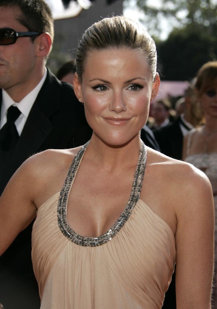 Kathleen Robertson (Beverly Hills 90210)