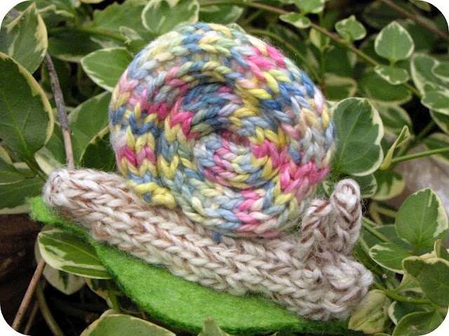 Knitted Snail Pattern from Natural Suburbia