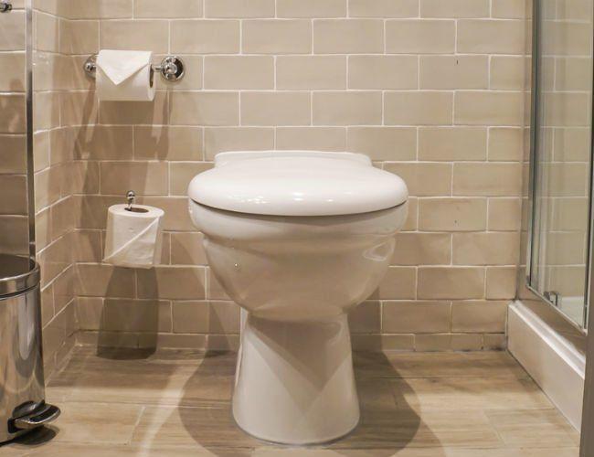 The Dos And Don Ts Of Replacing A Toilet Toilet Toilet Bowl Bob Vila