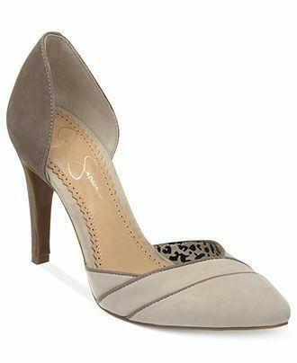 Jessica Simpson   – shoes