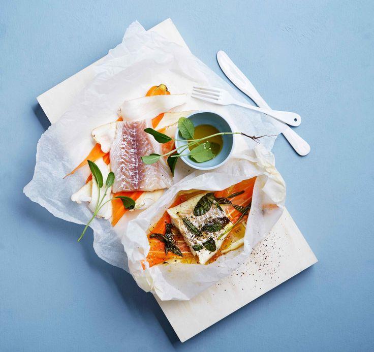 Prøv en herlig torsk med honning og salviebakte gulrøtter og pastinakk!