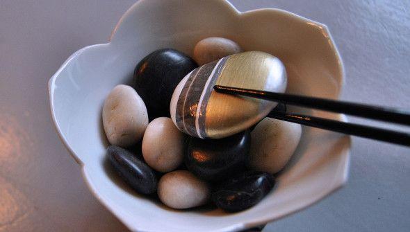 De pebble van januari! Een nieuw jaar met nieuwe kansen. Een jaar met een gouden randje?