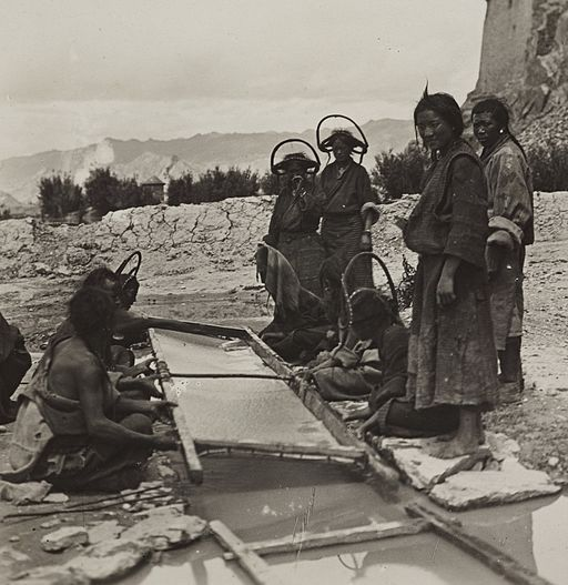 Khandroling Paper Cooperative : Historic Photo of Papermaking In Tibet- Keeping the Connection Alive