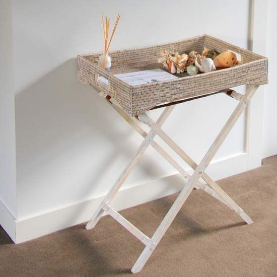 Christmas in #htfstyle Butlers rattan tray in whitewash