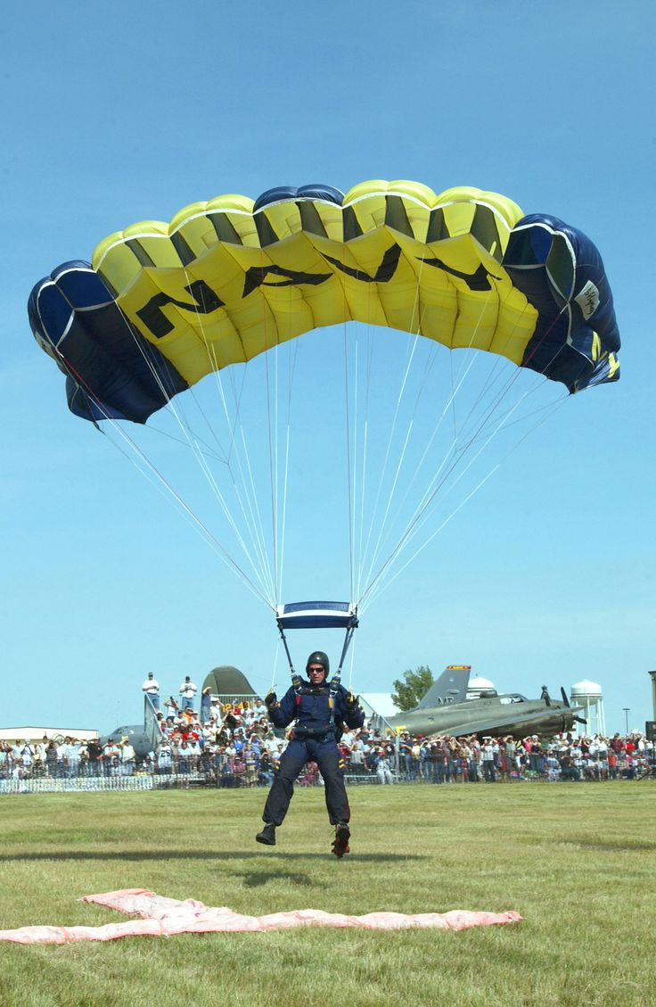 17 best images about major project blackout usn parachute demo team at minot afb jpg
