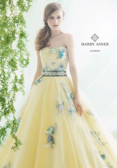 英国王室も愛するブランド*ハーディエイミス(HARDY AMIES)のカラードレスが可愛すぎる♡にて紹介している画像