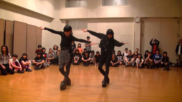 Obsessed with these two women. Aya sato workshop  2014 5 4
