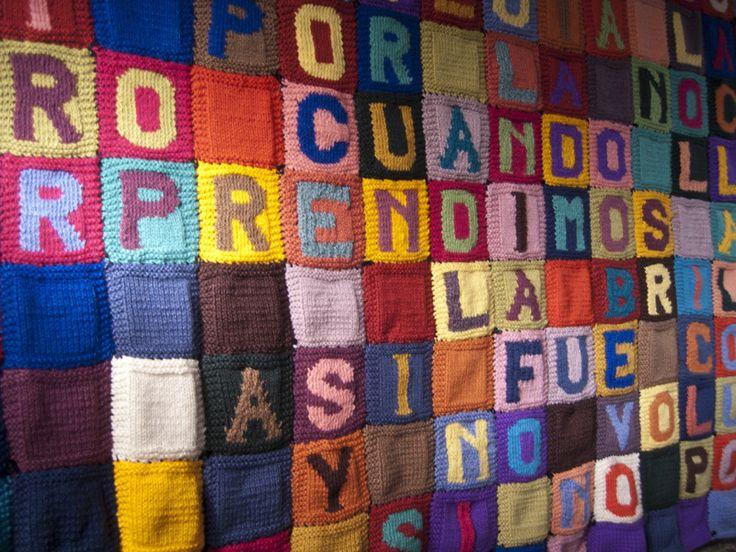 Paz Carvajal | Penélope, Tejido de 363 cuadrados unidos de diferentes colores Fragmento de La Odisea de Homero, 2012