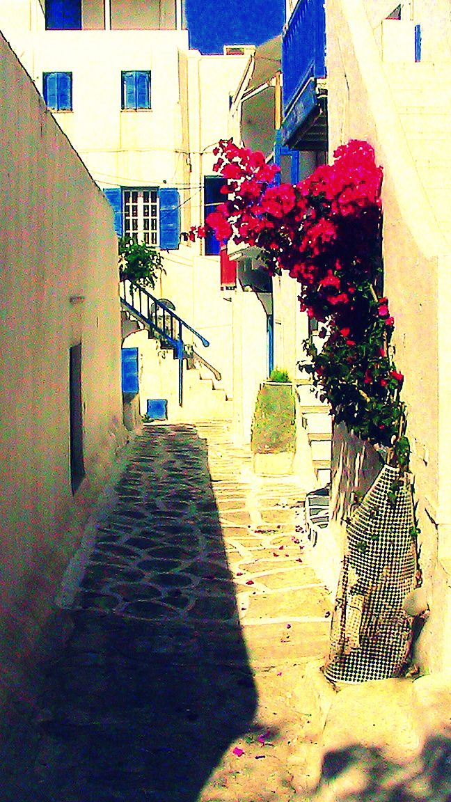 A characteristic view of a backstreet at Chora (Mykonos Town)...