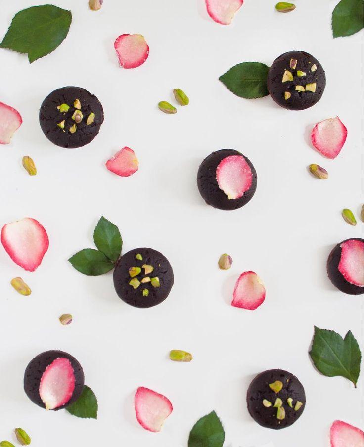 FELIÇ SANT JORDI! 🌹Chocolate coulant with pistachio and candied rose petals > eatingpatterns > instagram