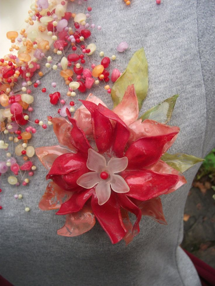 Large recycled plastic bottle flower brooch. £8.00, via Etsy.