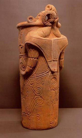 神像筒型土器(縄文中期):長野県 諏訪郡 藤内遺跡