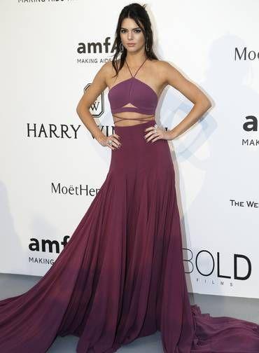 Kendall Jenner deixou parte da barriga à mostra Foto: Thibault Camus / AP