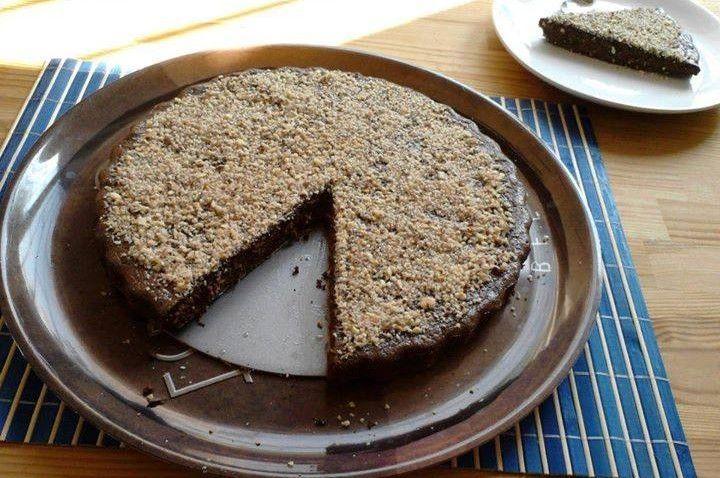 Cel mai bun tort de ciocolata neagra low carb pe care l-am mancat vreodata. O prajitura delicioasa. Reteta in mare..