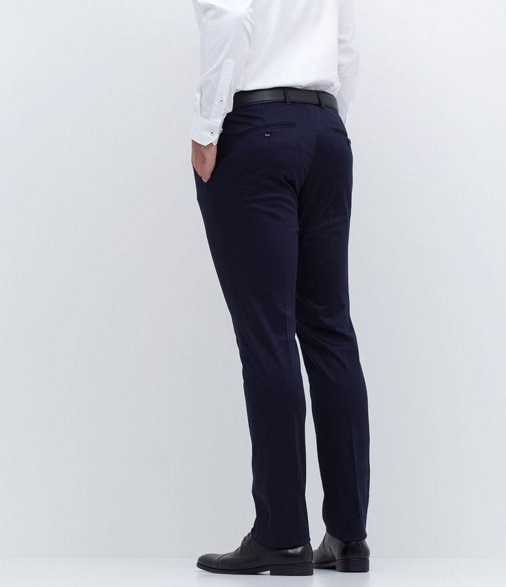 Calça masculina  Social  Modelo slim  Marca: Preston Field   Tecido: Poliéster  Modelo veste tamanho: 42     COLEÇÃO INVERNO 2017     Veja outras opções de    calças masculinas.