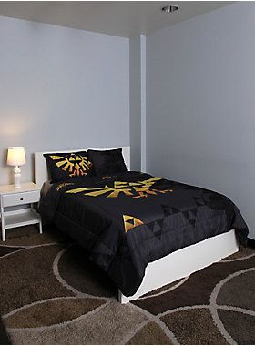 "<p><span id=""webDesc"">Full/queen-sized comforter from <i>The Legend Of Zelda</i> with large Triforce design.<br /> <br /> Sheets and pillowcases not included.</span><span id=""webDescSpan""> </span></p> <ul> <li>81"" x 86""</li> <li>100% polyester</li> <li>Wash cold; dry low</li> <li>Imported </li> </ul>"