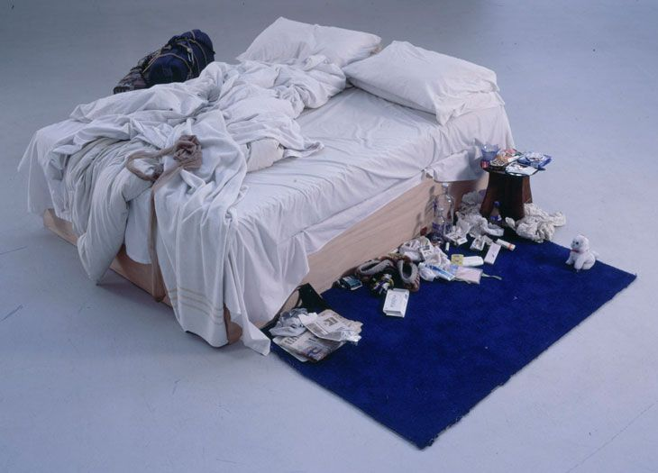 Tracey Emin: My Bed (1998): Tracey shows us her own bed, in all its embarrassing glory. Empty booze bottles, fag butts, stained sheets, worn panties: the bloody aftermath of a nervous breakdown. By presenting her bed as art, Tracey Emin shares her most personal space, revealing she's as insecure and imperfect as the rest of the world.