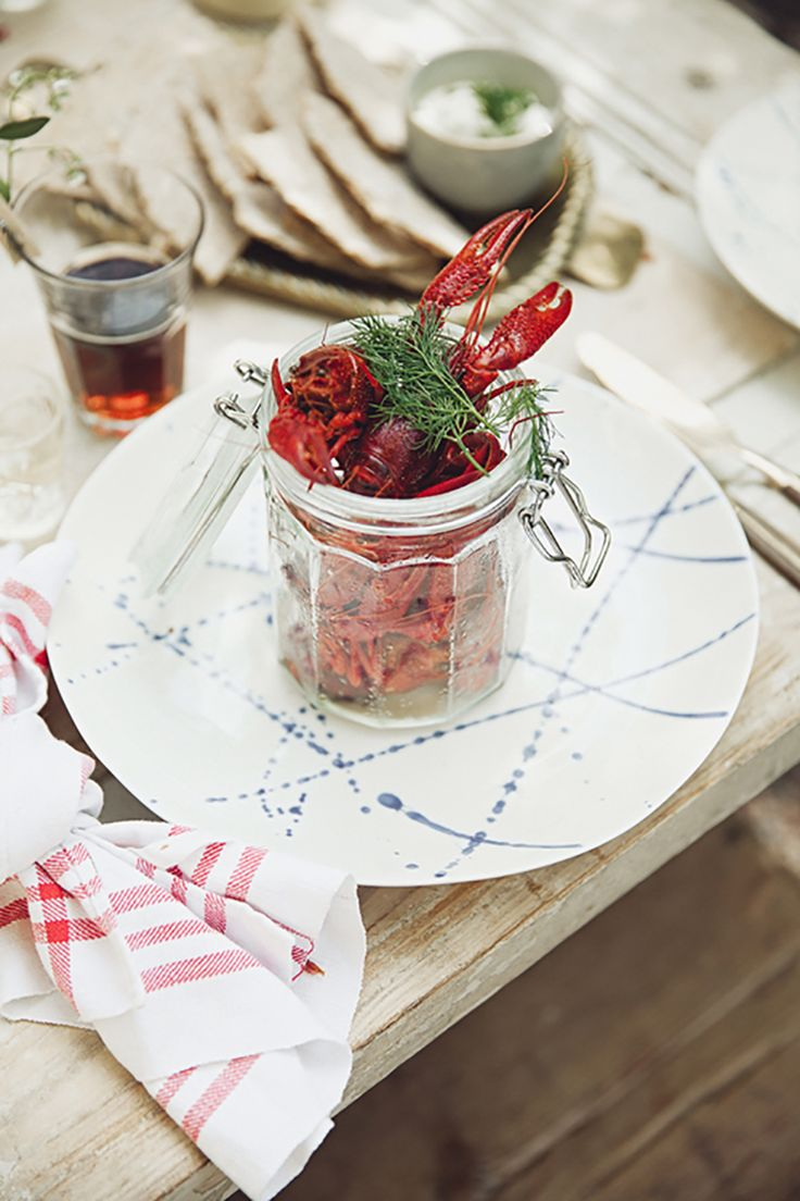 Crayfish party. Picture by Emily Dahl, styling by Volang-Linda