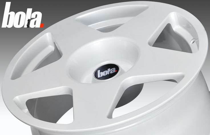 17 inch STAGGERED BOLA B10 5x114.3 WHITE 5 stud Dacia Toyota alloy wheels