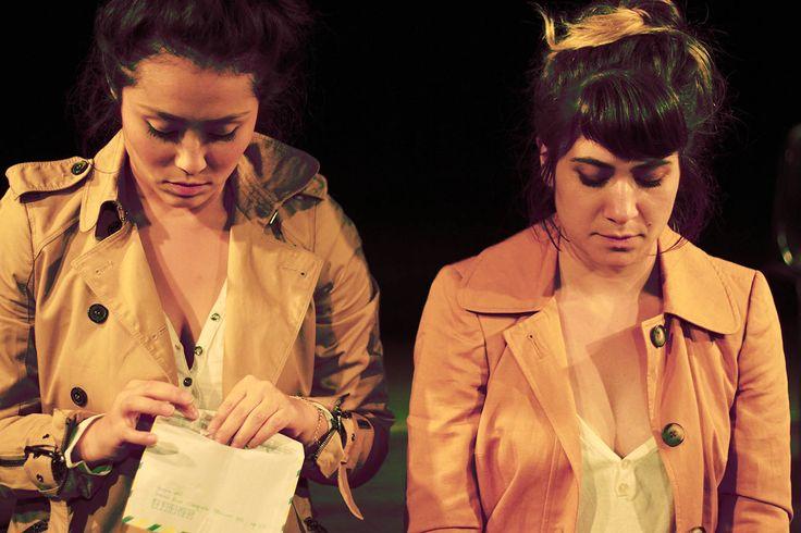 O elenco traz as atrizes Kelly Eshima e Uyara Torrente, também vocalista da Banda Mais Bonita da Cidade.
