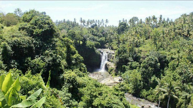 Tegenungan waterfall in Ubud