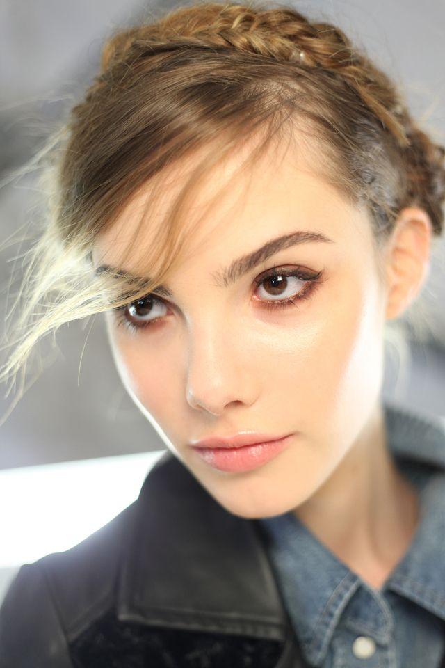 Tendencias de maquillaje para primavera: Ojo ahumado simple