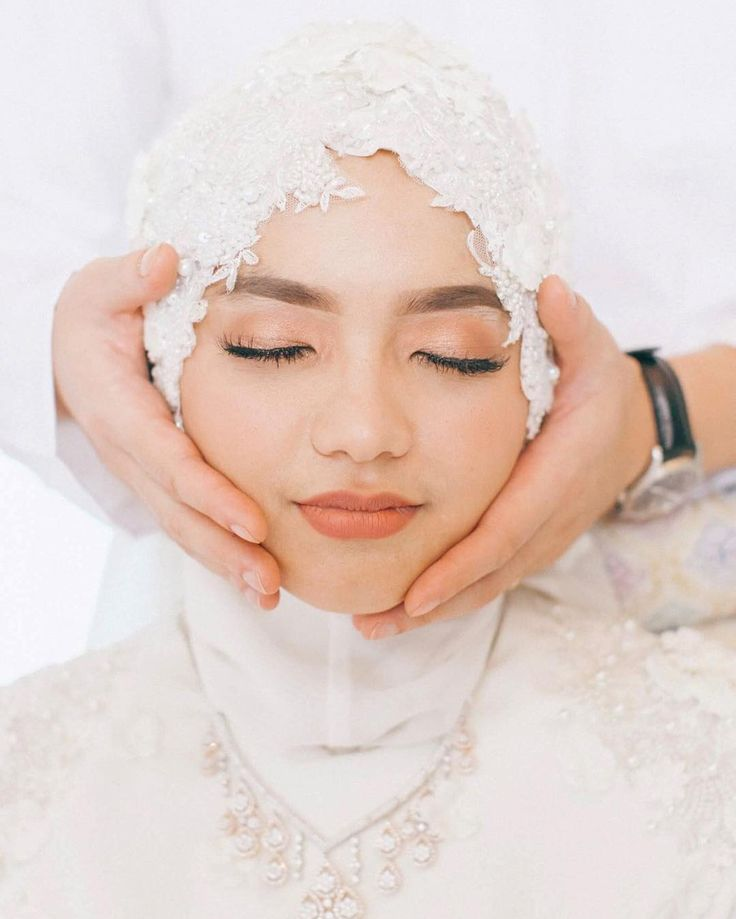 Hijab or Tudung or Veil Details for Muslim Wedding Inspiration and Simple Makeup    ☁ @terosha ☁
