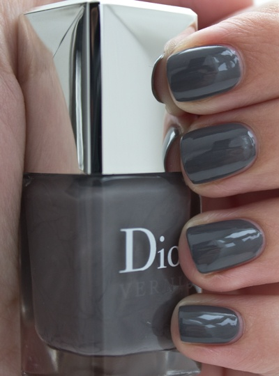 dior vernis 707 gris montaigne grey nail polishes pinterest saint tropez colors and swatch. Black Bedroom Furniture Sets. Home Design Ideas