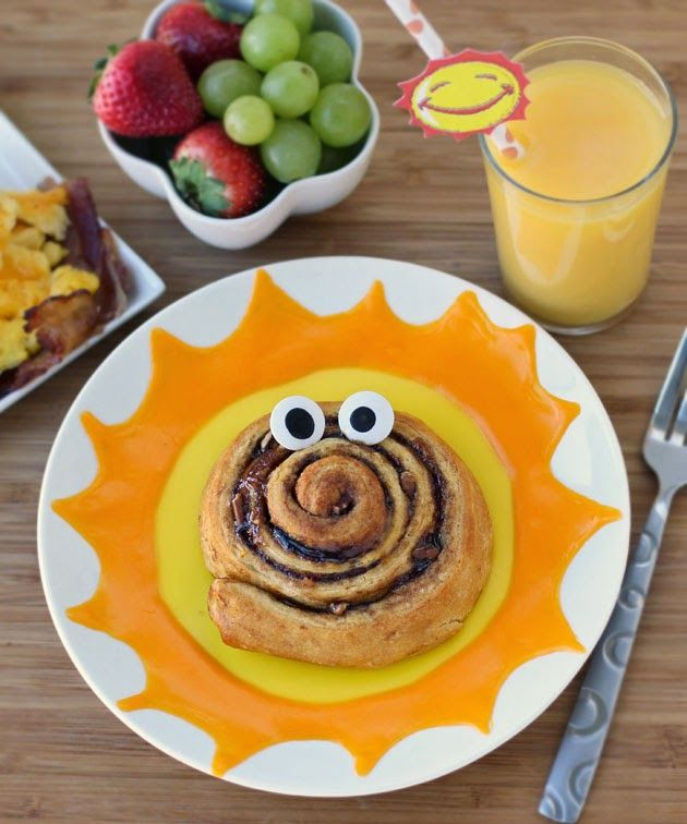 Edible Crafts For Kids To Make Part - 23: Funny Side Up Sweet Roll Breakfast