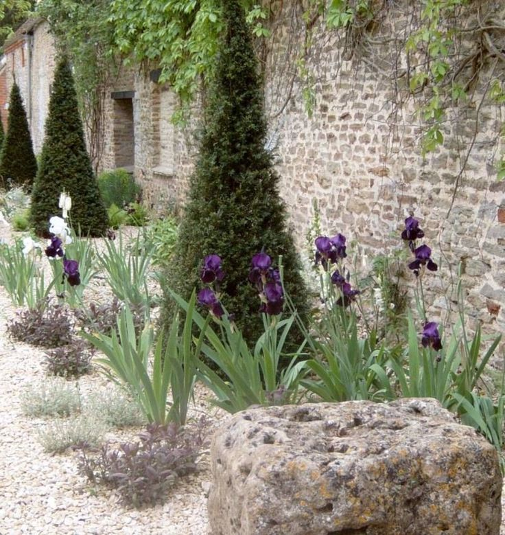 Marvelous 24 French Potager Garden Ideas https://fancydecors.co/2018/02/23/24-french-potager-garden-ideas/ Potager gardens do not have to be fussy things. They are ideal for people who wish to grow heirloom vegetables.