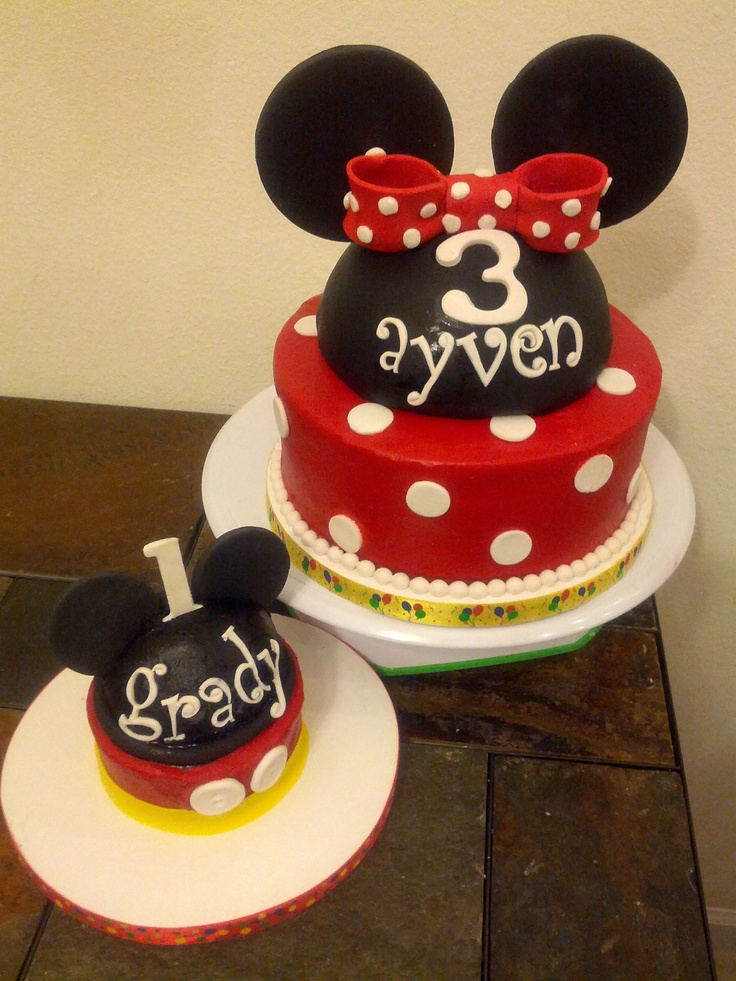 Mickey Smash Cake and Minnie cake