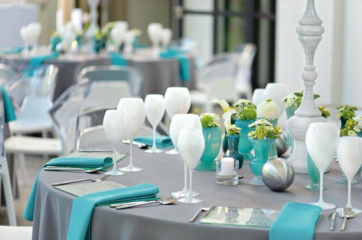 Die schönsten Dekorationsideen für Eure Hochzeitslocation, zauberhafte Tischdekorationen und großartige Ideen, um Euren Festsaal in Szene zu setzen.