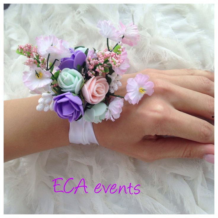 wedding bouquet , bridalbouquet , handmade, nunta , buchet de mireasa , broochbouquet bijoux weddings candle ceremonie wedding church bride groom bridesmaid ECA events wedding flowers concarde butoniere groomflowers groom godmother bestman FOR SALE bracelet flower girl