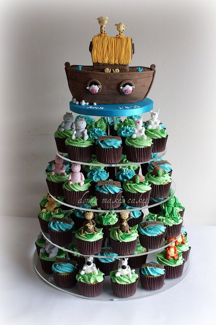 Noahs Ark  - now this is too cute. I want to do this for Sebastian's first birthday!