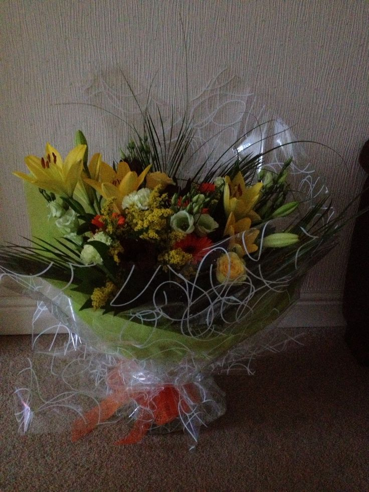 Sunshine handtied bouquet