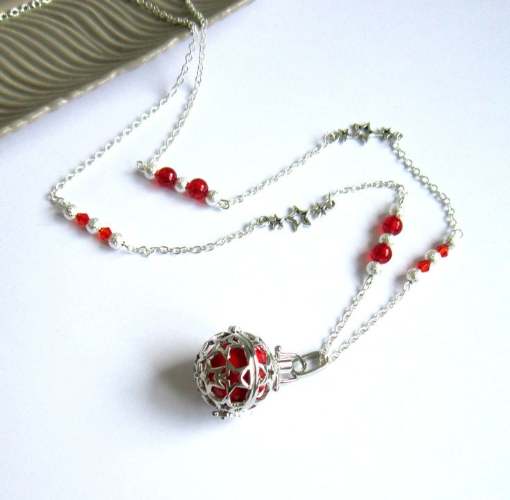 Bola de grossesse argenté et rouge, cadeau femme enceinte, étoiles, stardust, verre, cristal : Collier par color-life-bijoux