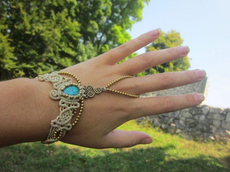 Boho Macrame Ring Armband türkis von pusarin auf DaWanda.com                                                                                                                                                      Mehr