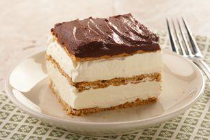 """Graham Cracker Eclair """"Cake"""" recipeKraft Recipe, Desserts Recipe, Chocolates Eclairs Cake, Eclairs Cake Recipe, Layered Cake, Graham Crackers, Eclairs Desserts, Crackers Eclairs, Cake Recipes"""