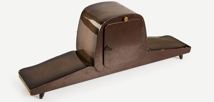 DUGENA 1940'lar Mid-Century tarzı vintage şömine saati   Dugena 1940s Midcentury mantel clock