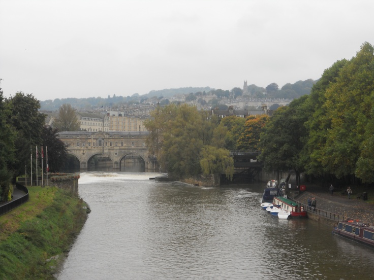 BATH - Pulteney Bridge over River Avon completed in 1773 designed by Robert Adam - 2012